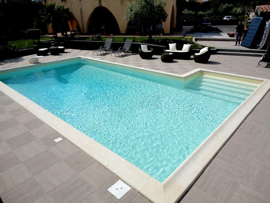 Manutenzione piscine disinfestazioni e piscine for Clorazione piscine