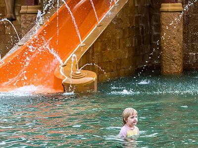Giochi-acqua-in-piscina